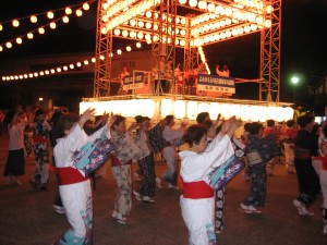 Bonodori dancing at Nagoya Castle Festival, August 5th 2011