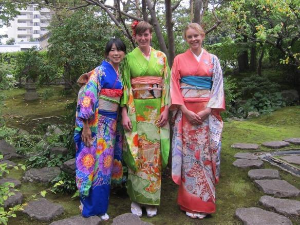 3 girls in a kimono