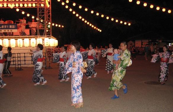 obon dancing nagoya castle