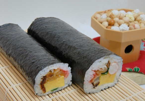 futomaki sushi roll for setsubun